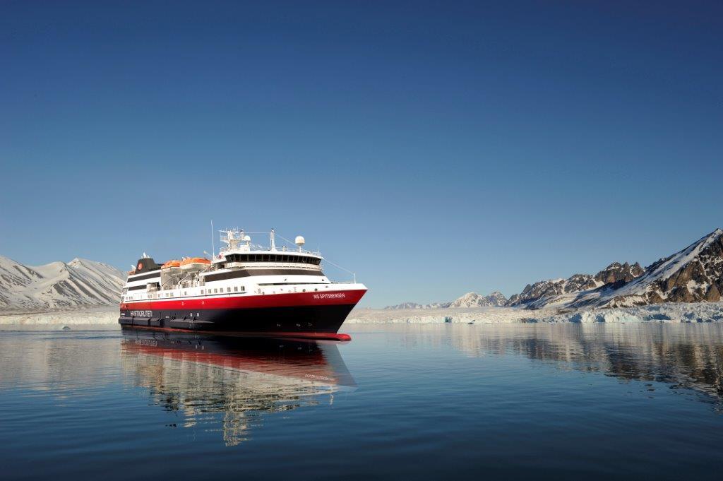MS Spitsbergen, Foto: Hurtigruten,  Svalbard Illustration