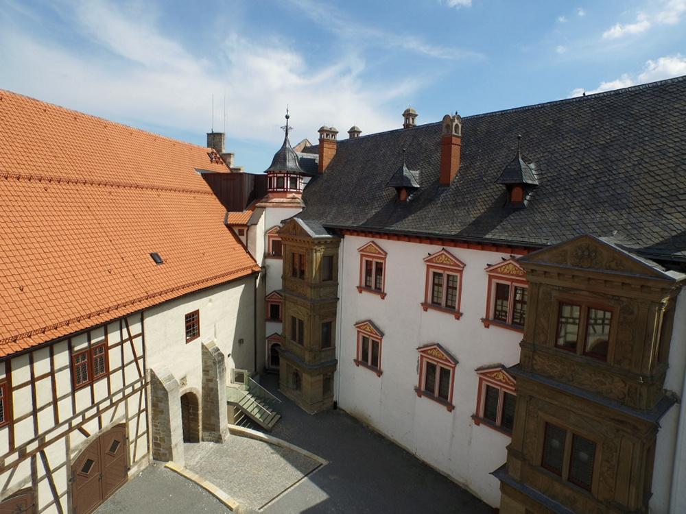 Blick auf das Museumsgebäude, Heidenbau links und Französischer Bau, rechts, Foto: Nürnberger Versicherung