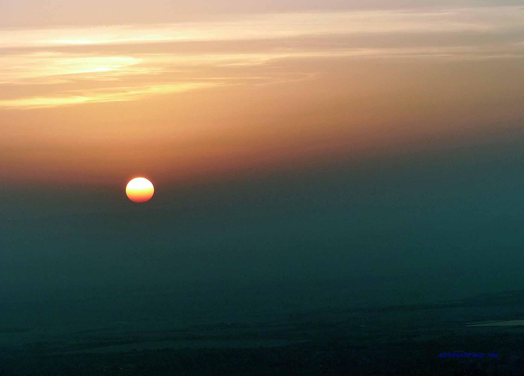 Sonnneaufgang, vom Heissluftballon aus beobachtet, Foto: Weirauch