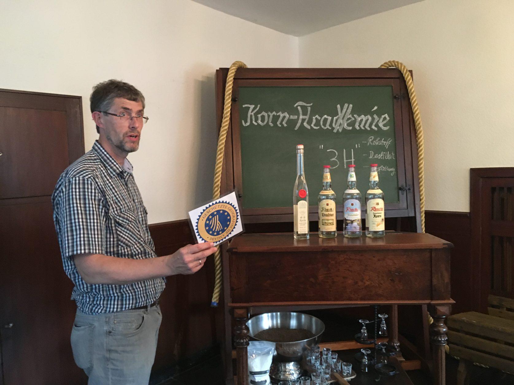 Sein Korn ist berühmt: Firmenchef Josef Rosche in Haselünne, Foto :D.Weirauch
