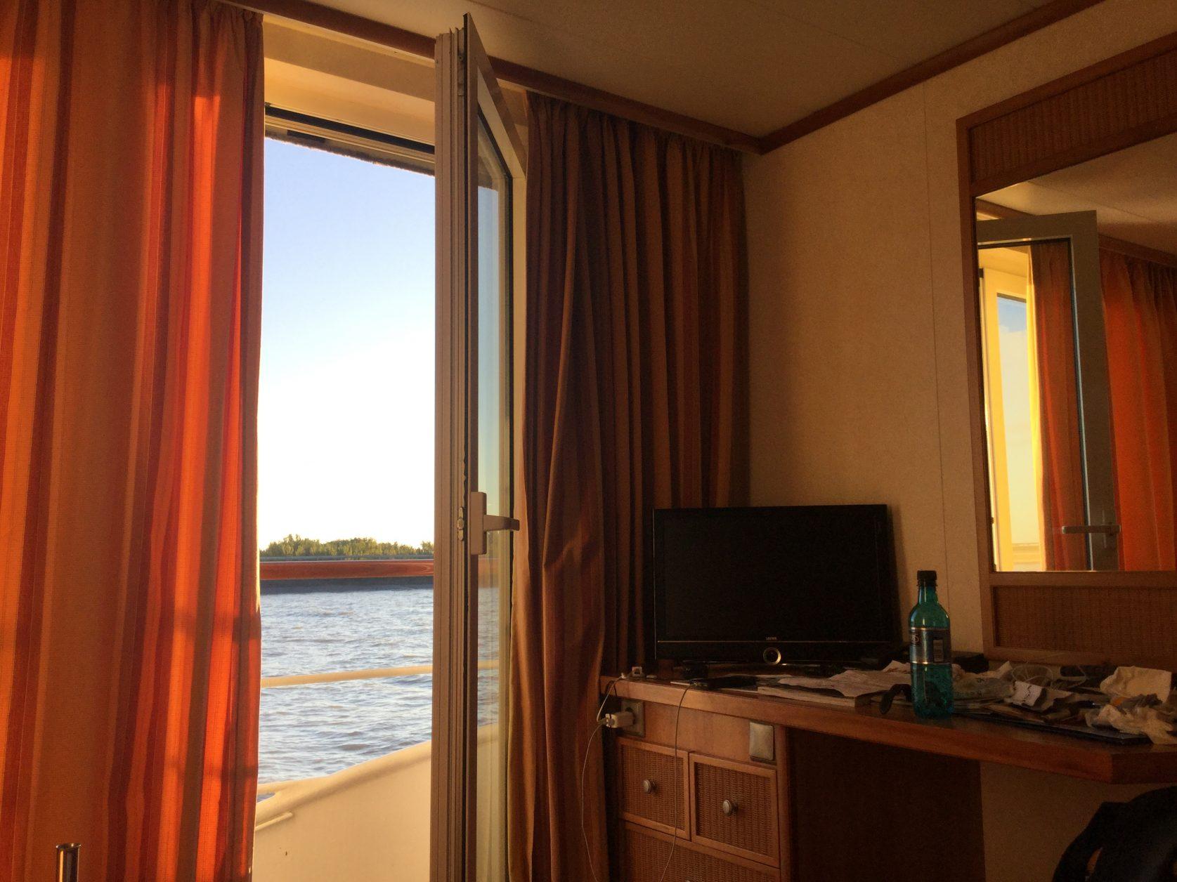 2-Bett-Außenkabine mit französischem Balkon: 16 Quadratmeter groß. Foto: Weirauch
