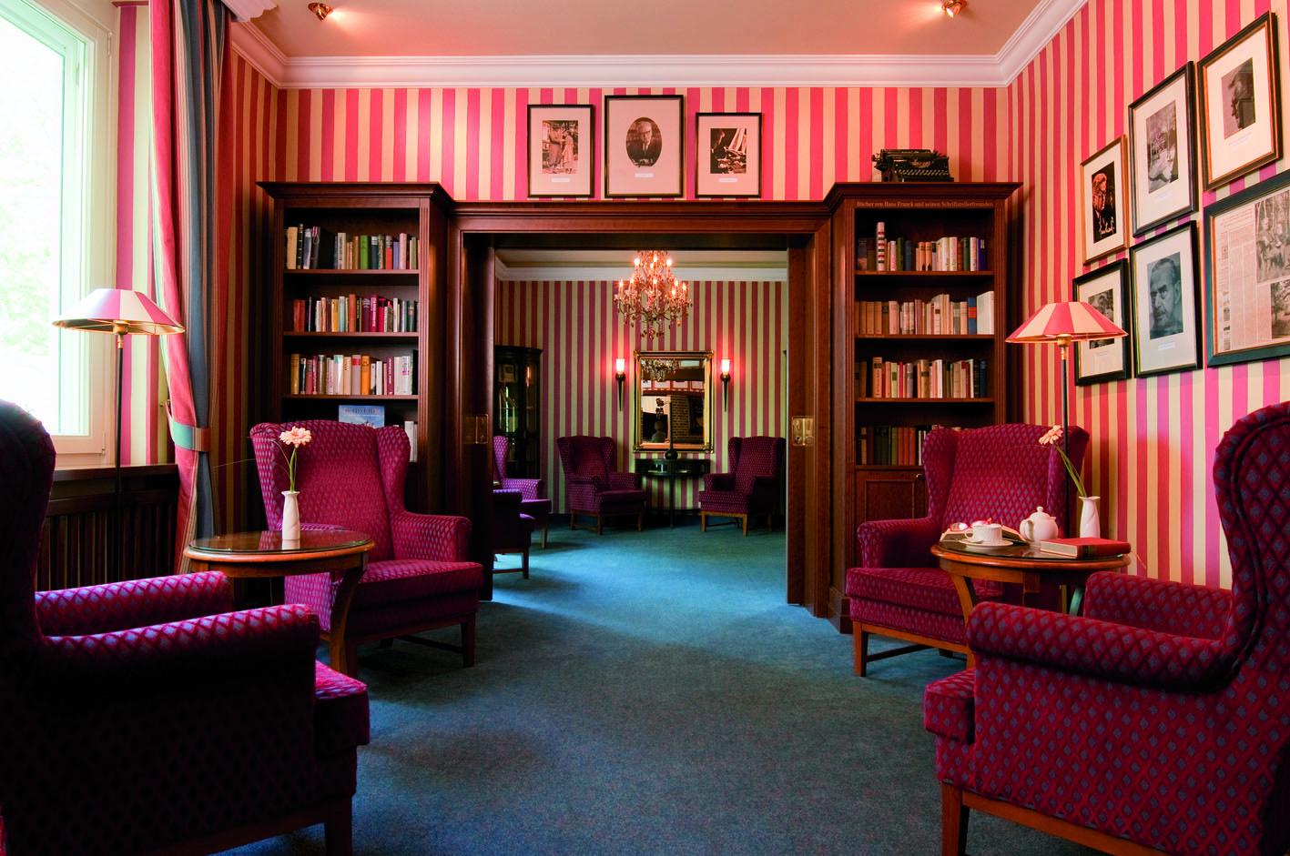 Blick in die Hans-Franck-Bibliothek, Foto: Raphael Hotels