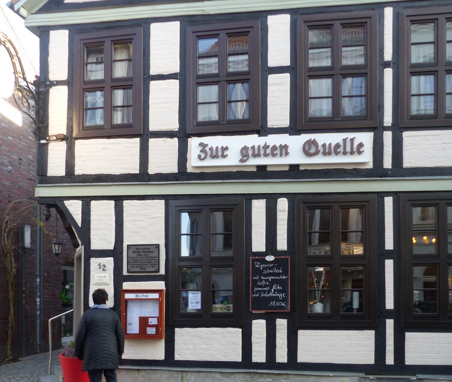 """Bekannt für gute Küche: """"Gute Quelle"""", einstiges Wohnhaus Fritz Reuters Foto: Weirauch"""