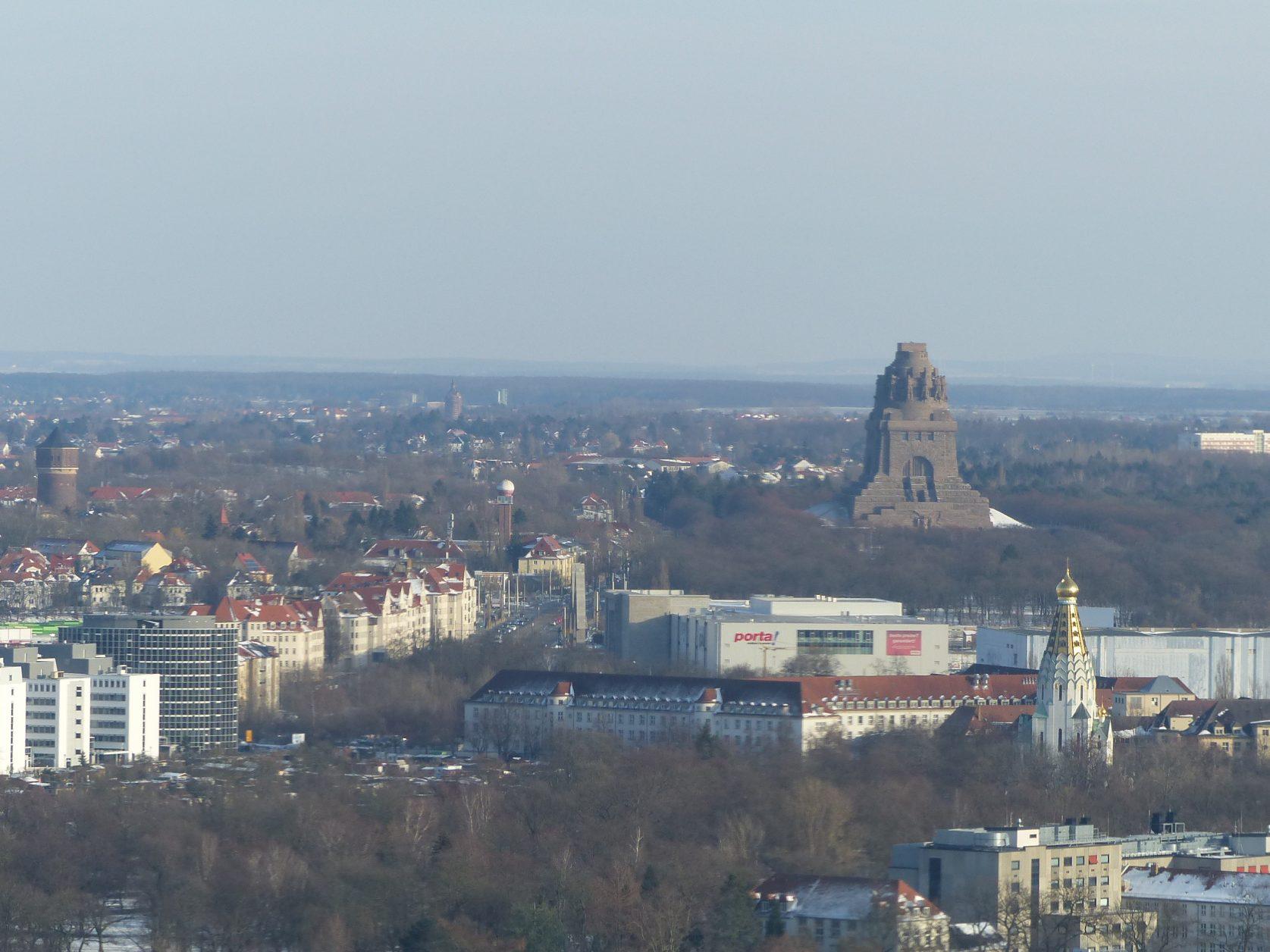 Blick vom City-Hochhaus auf das Völkerschlachtdenkmal Foto: Weirauch