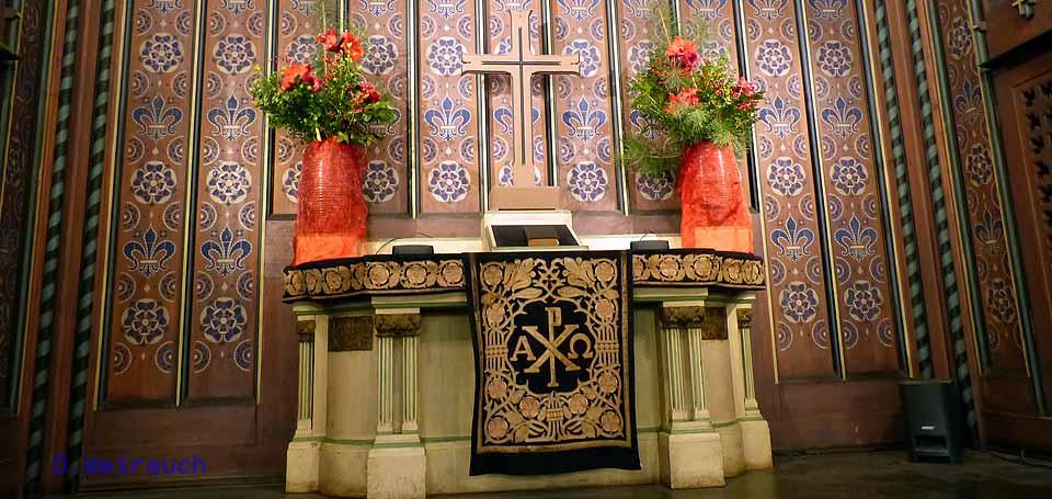 Der Altar in der Holzkirche von Stahnsdorf Foto: Weirauch