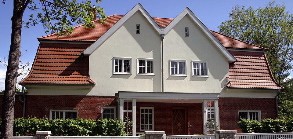 Blick auf ein Doppelhaus in Sacrow