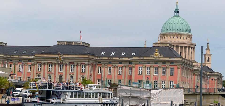 Blick zum Landtag Potsdam