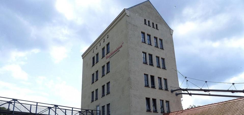 Im einstigen Getreidespeicher am Hafen von Groß Neuendorf kann man wohnen