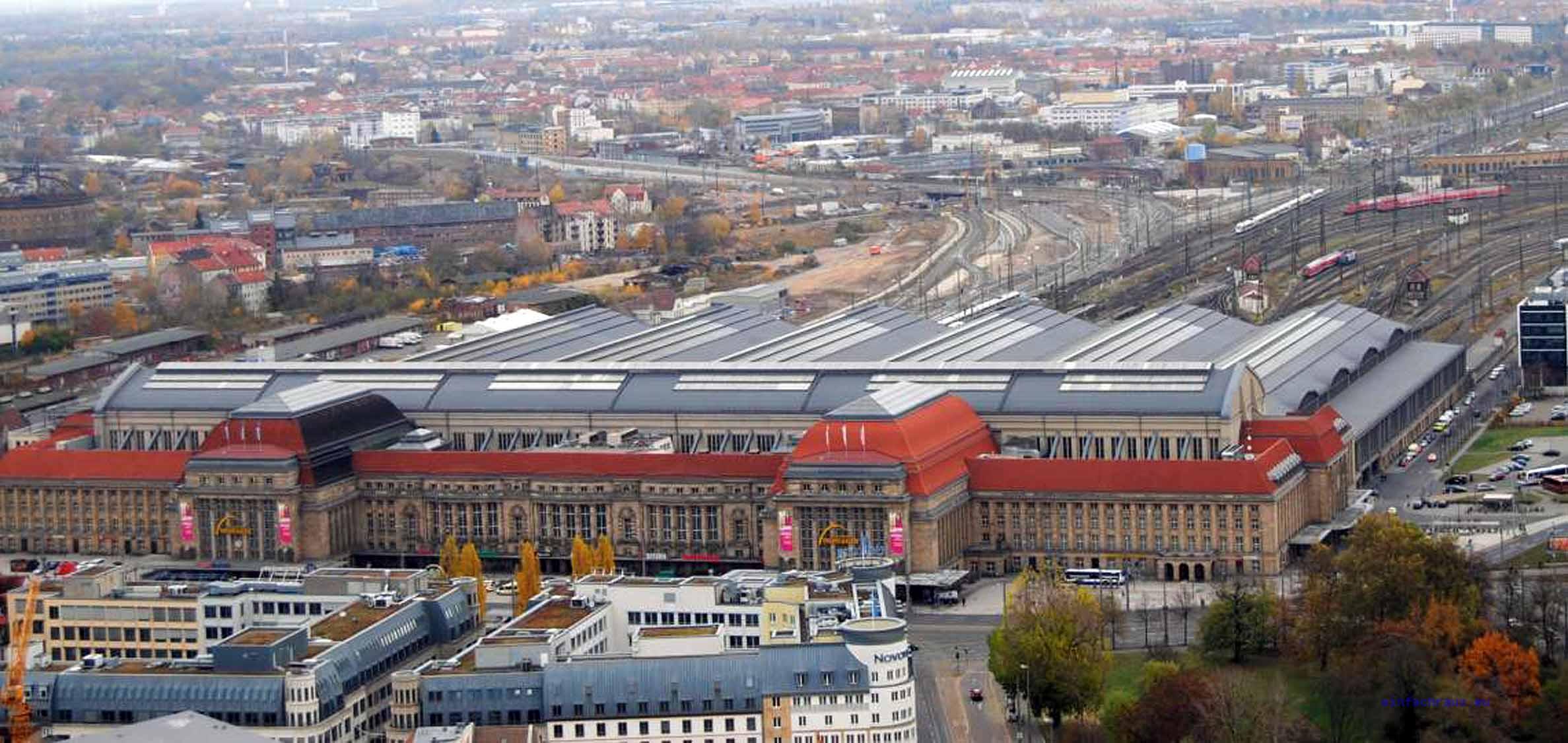 Blick vom Parkhotel auf den Hauptbahnhof Leipzig