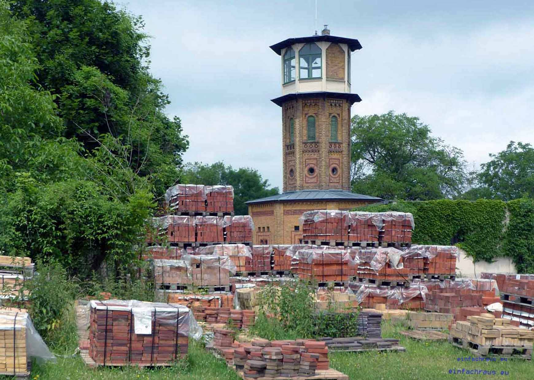 Im Turm befindet sich das Märkische Ziegeleimuseum Glindow,