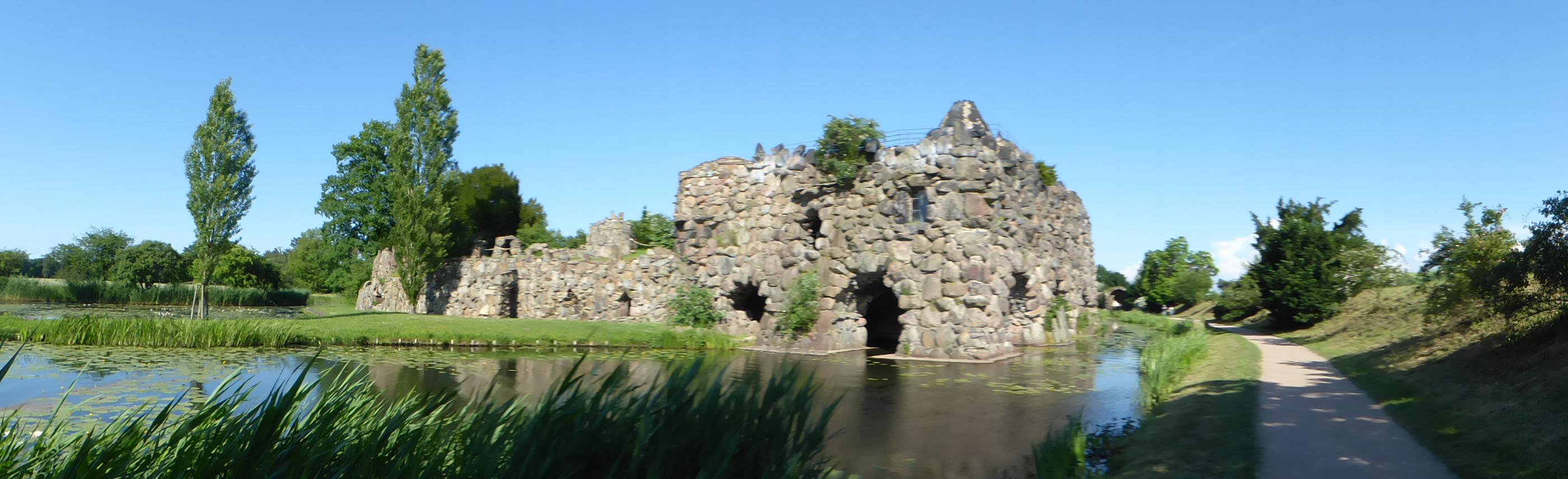 Blick auf die Insel Stein im Wörlitzer Park