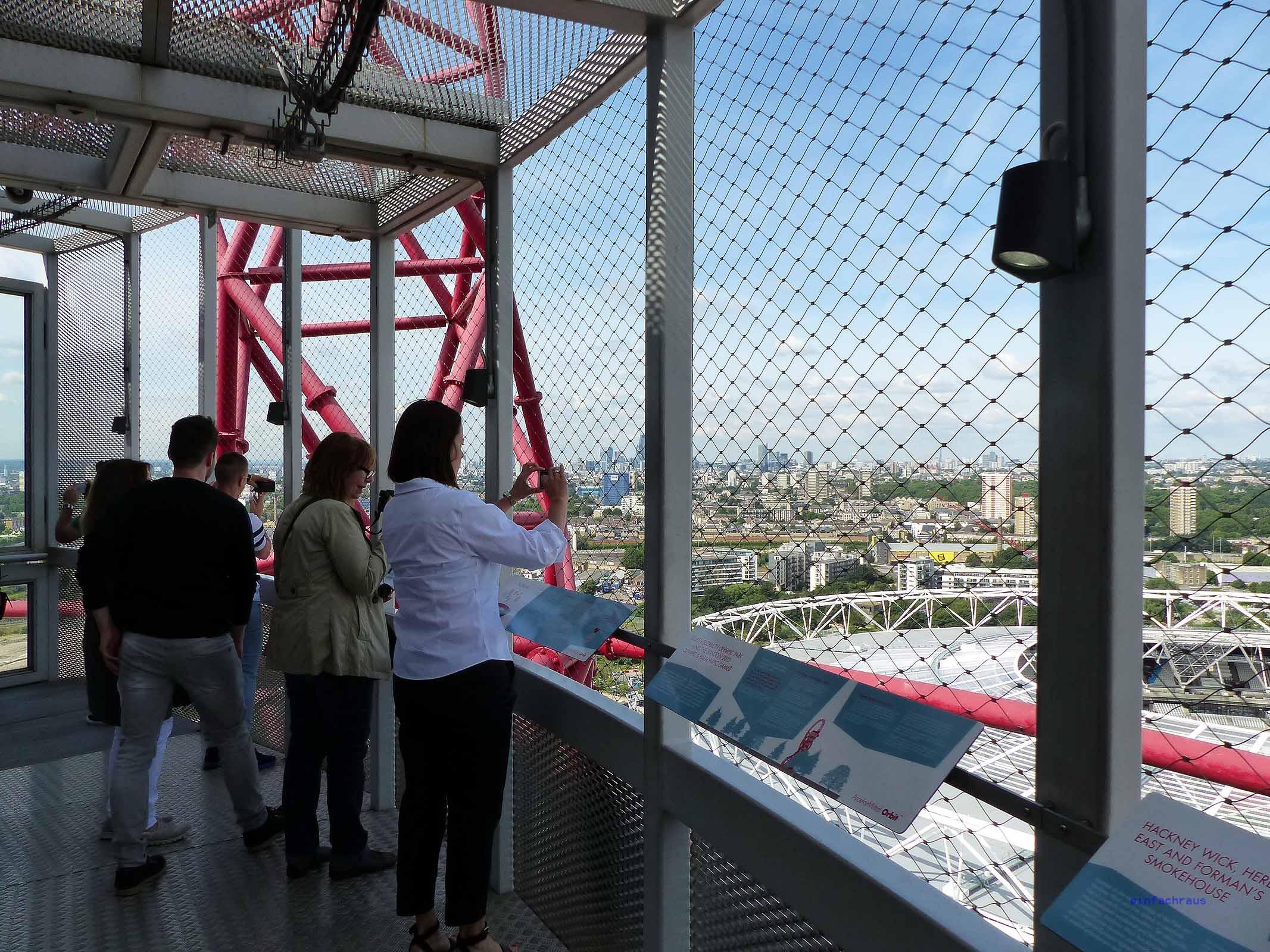 Der über 100 Meter hohe Aussichtstum ermöglicht tolle Blicke in den Olympiapark