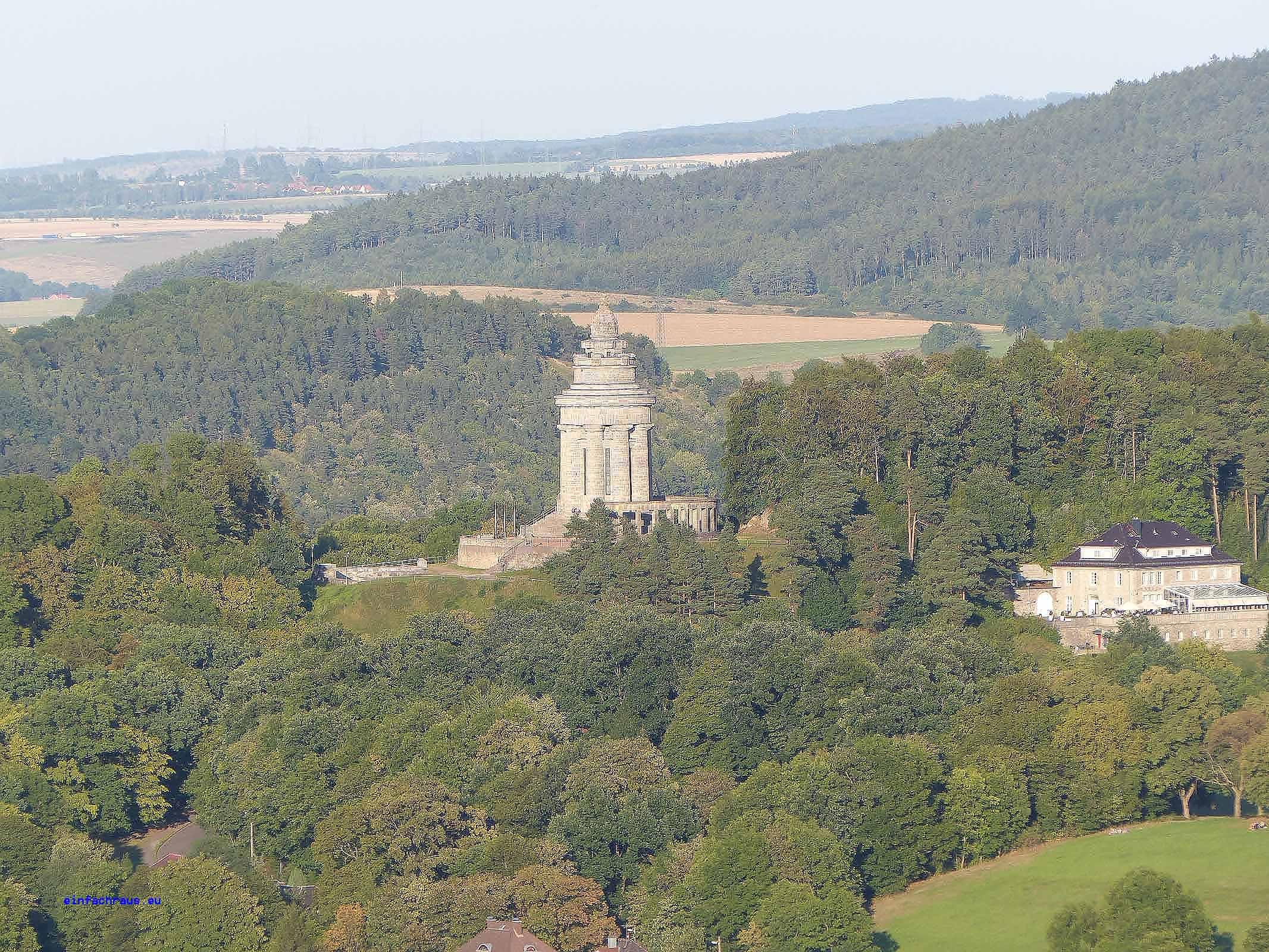 Blick von der Wartburg auf das Burschenschaftsdenkmal, Foto: D.Weirauch