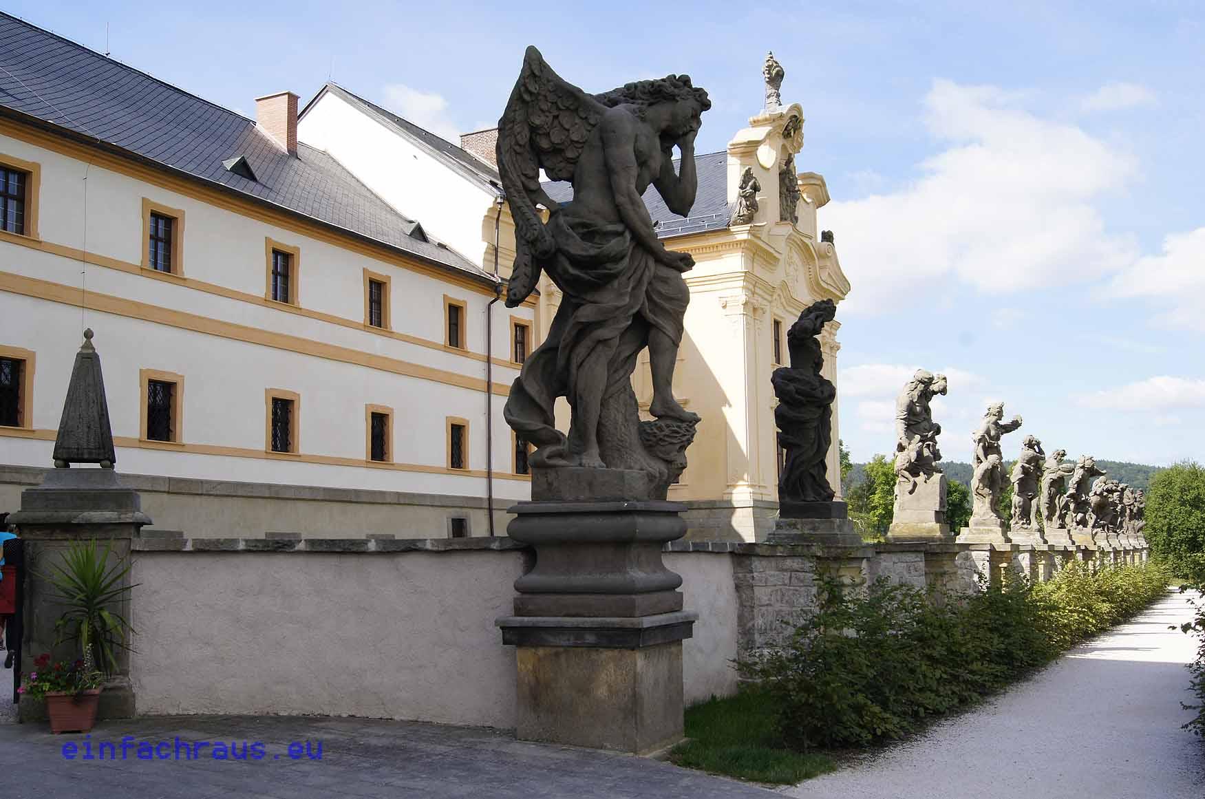 Die wertvollen Statuen schuf Matthias Bernhard Braun, Foto: Klaus Klöppel