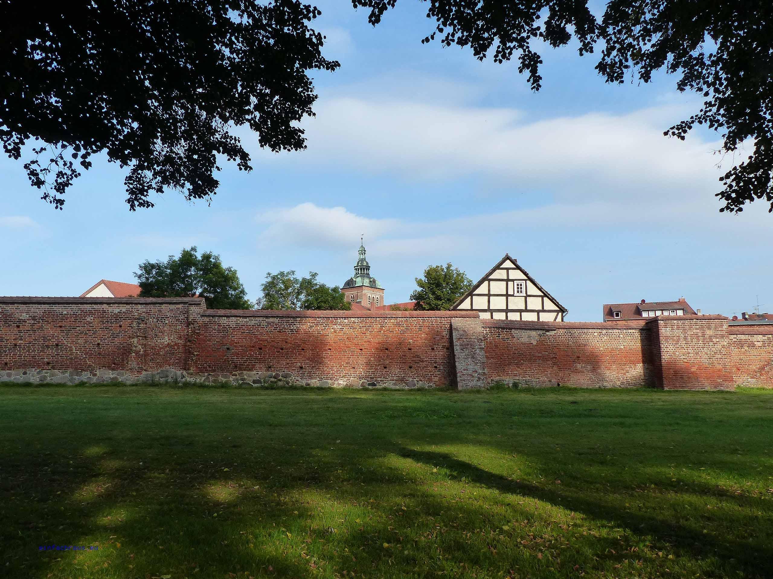 Einzigartig und imposant: die Stadtmauer von Wittstock