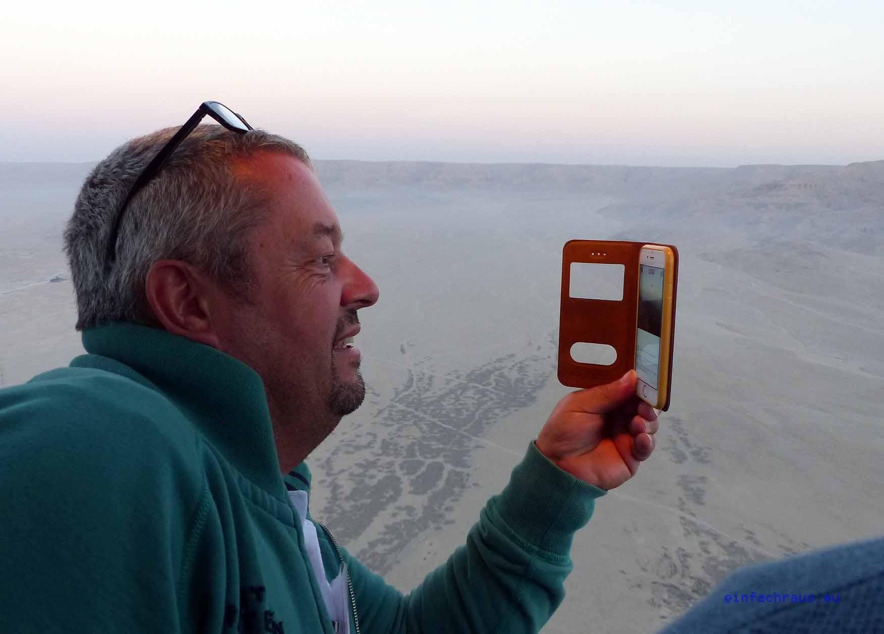 Ägypten-Experte und sonnenklar. https://youtu.be/tEXO8Q2_qWY TV - Reporter Andreas Diefenbach bei der Livesendung, Foto: D.Weirauch