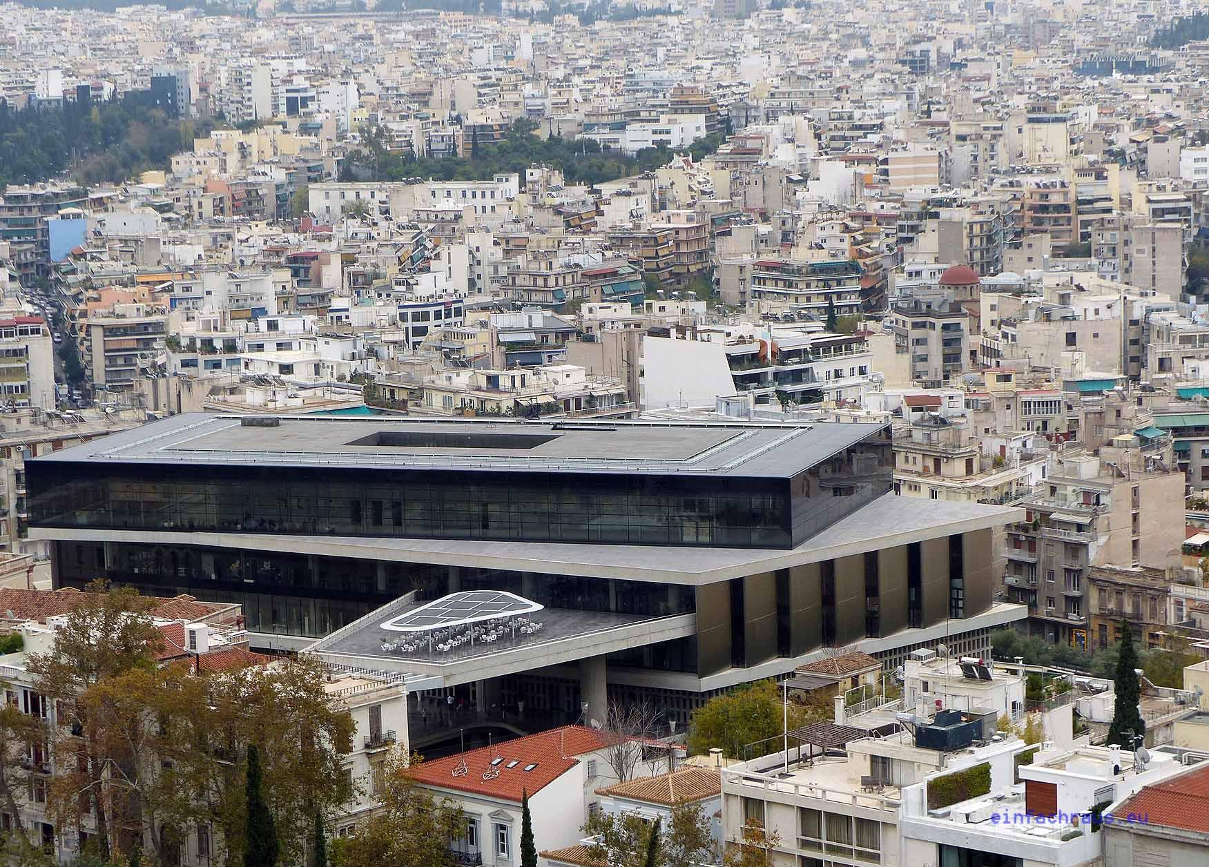 Blick auf das 2009 eröffnete Akropolis-Musuem, nach Plänen des Schweizer Architekten Bernard Tschumi errichtet. Foto: D.Weirauch