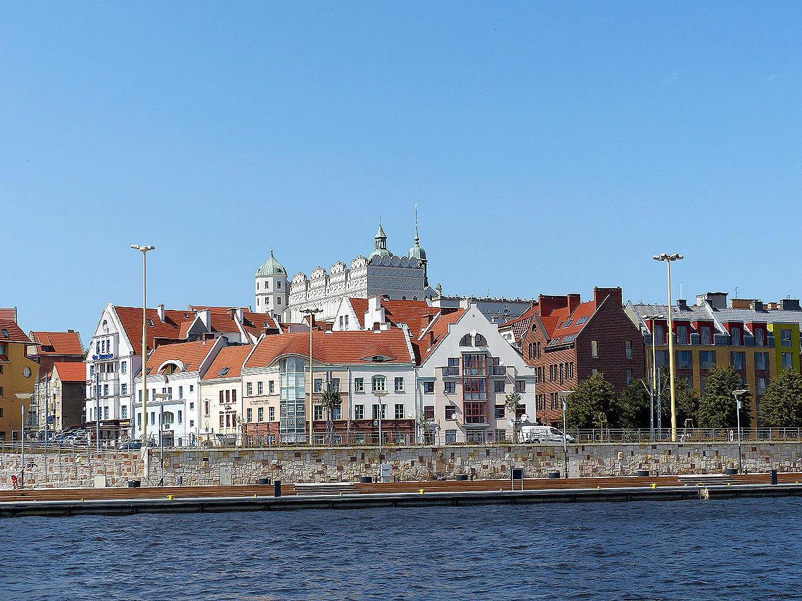 """Das Stettiner Schloss wurde nach der Zerstörung im Zweiten Weltkrieg wieder aufgebaut wurde fungiert heute unter dem Namen """"Schloss der Herzöge von Pommern"""" als Kulturzentrum. Foto: D. Weirauch"""