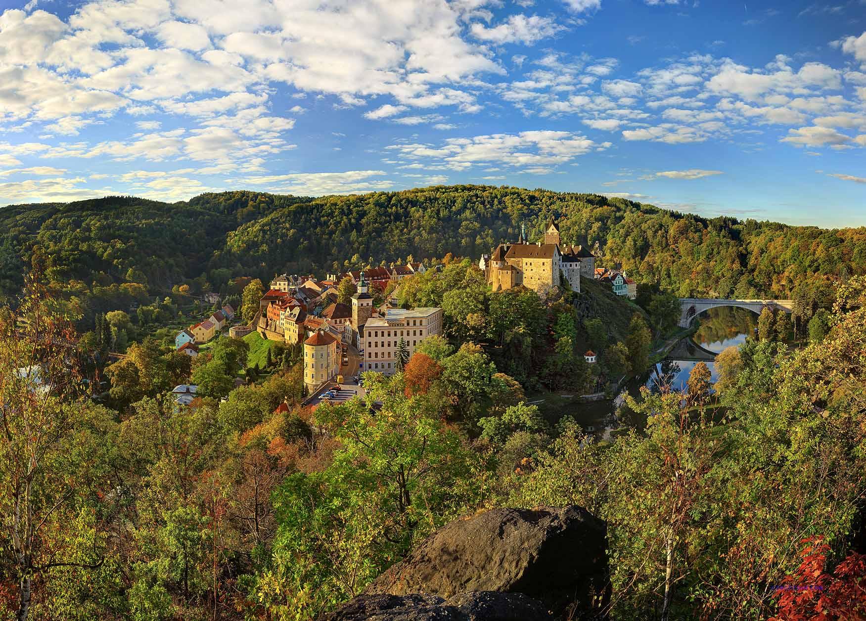 Auf der Burg kann man eine Ausstellung zum Thema Folter sowie eine Porzellanausstellung besichtigen. Foto: Libor-Sva¦üc¦îekT(Czechtourism)