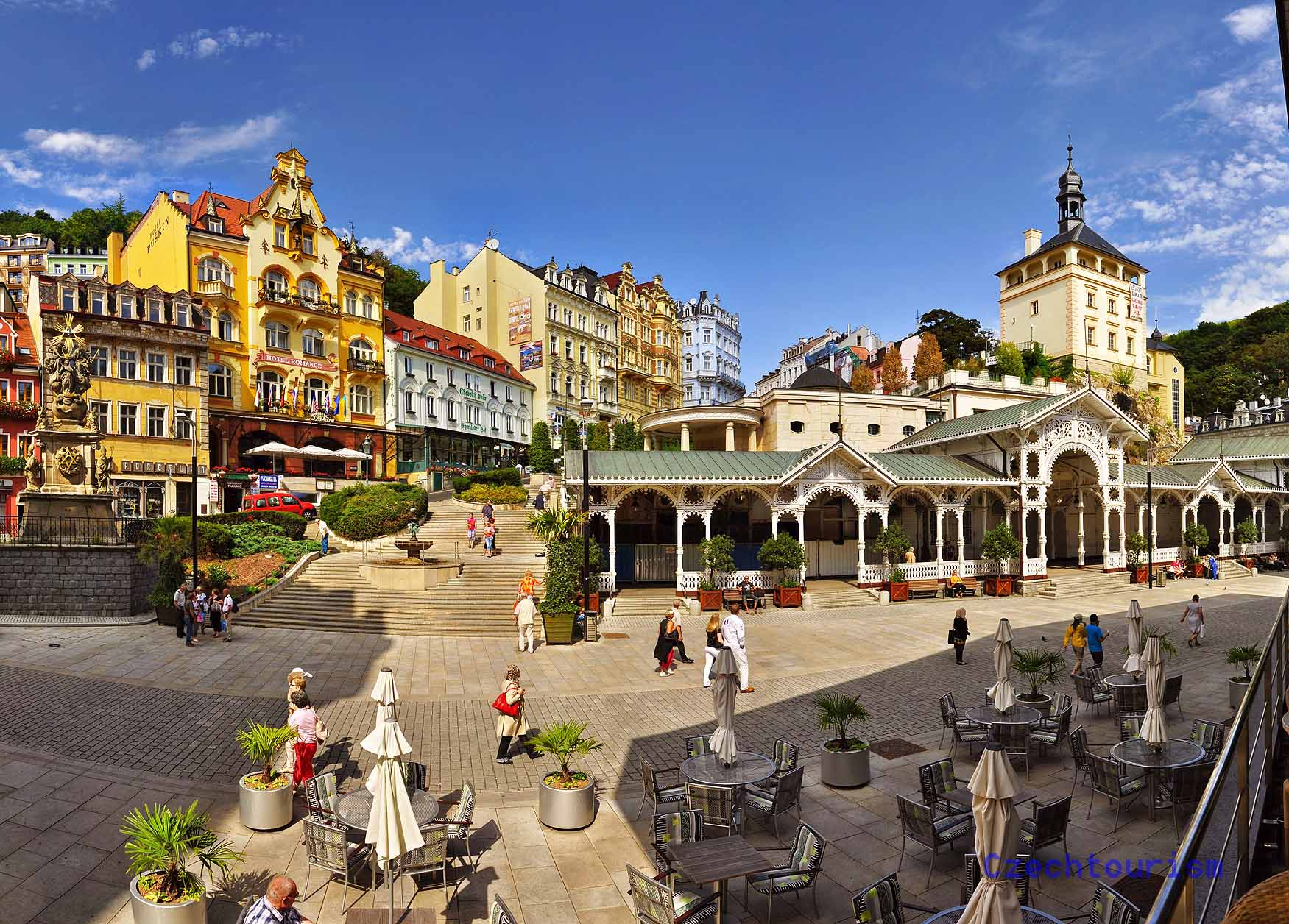 Das Kurzentrum mit seinen teilweise eklektizistischen Bauten ist eine Attraktion, Foto: Czechtourism