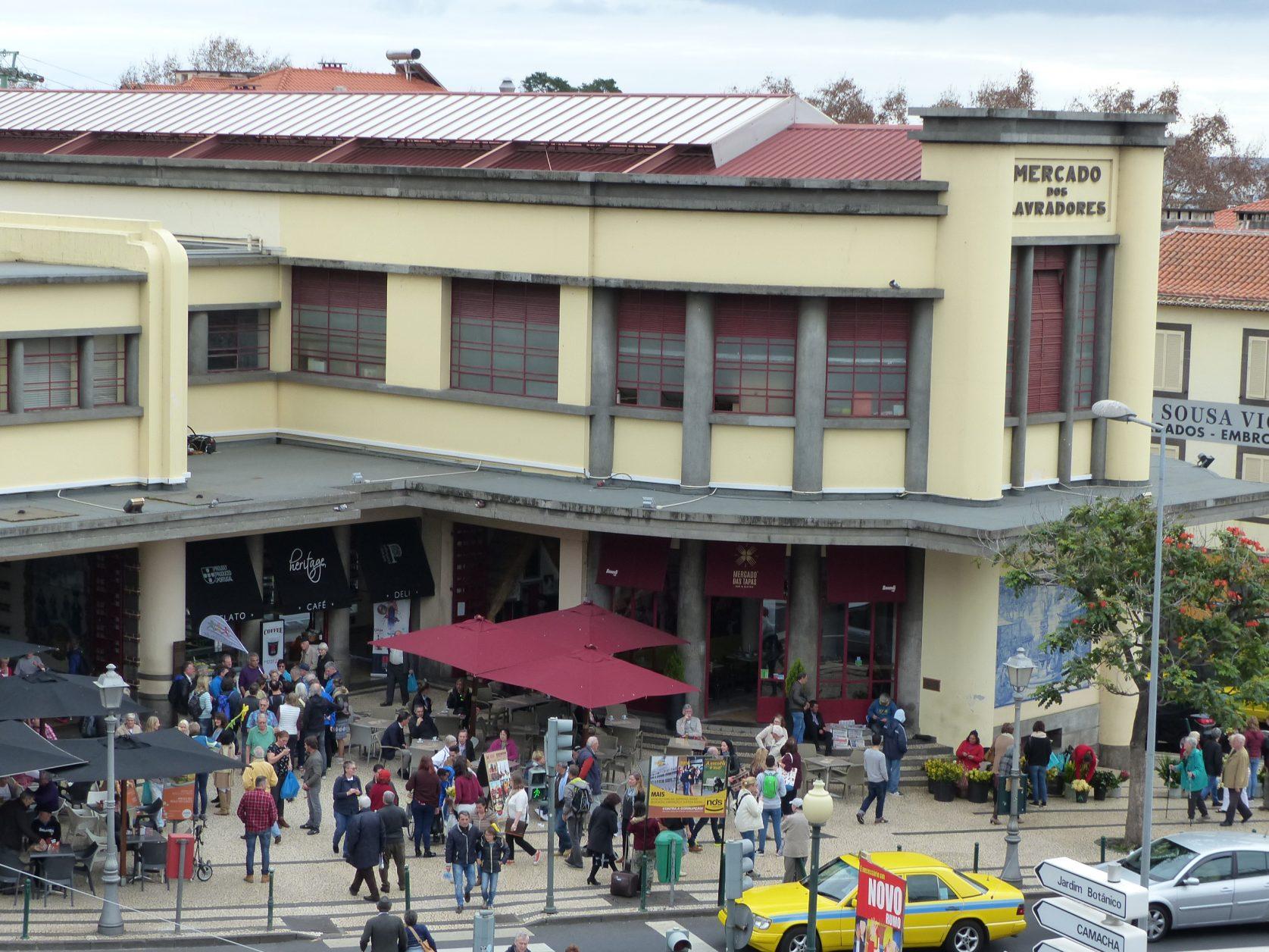 Blick auf die immer gut belebte Markthalle in Funchal, Foto: D.Weirauch