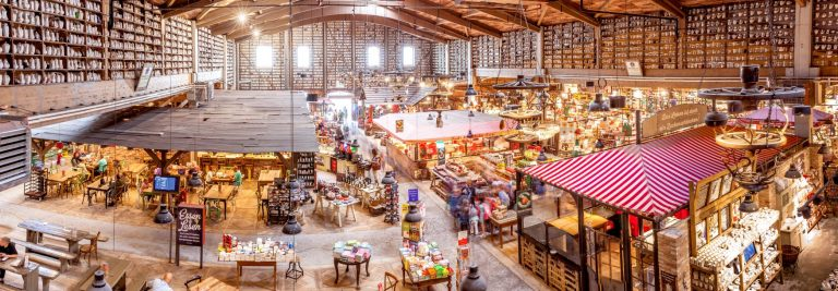Blick in den Bauernmarkt in Elstal, Foto: PR Karls
