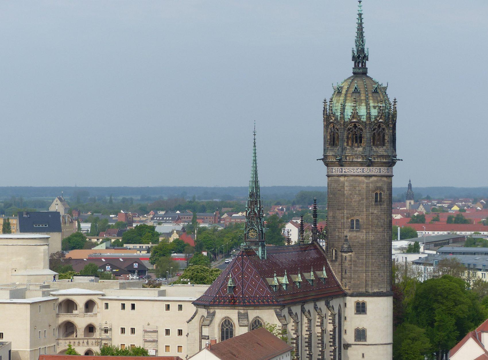 Nlick auf die Schlosskirche Wittenberg