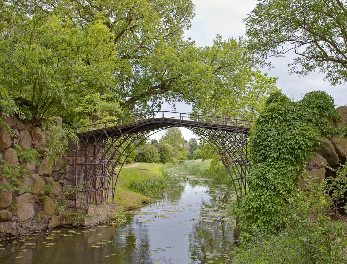 Eiserne Brücke im Schlosspark Wörlitz