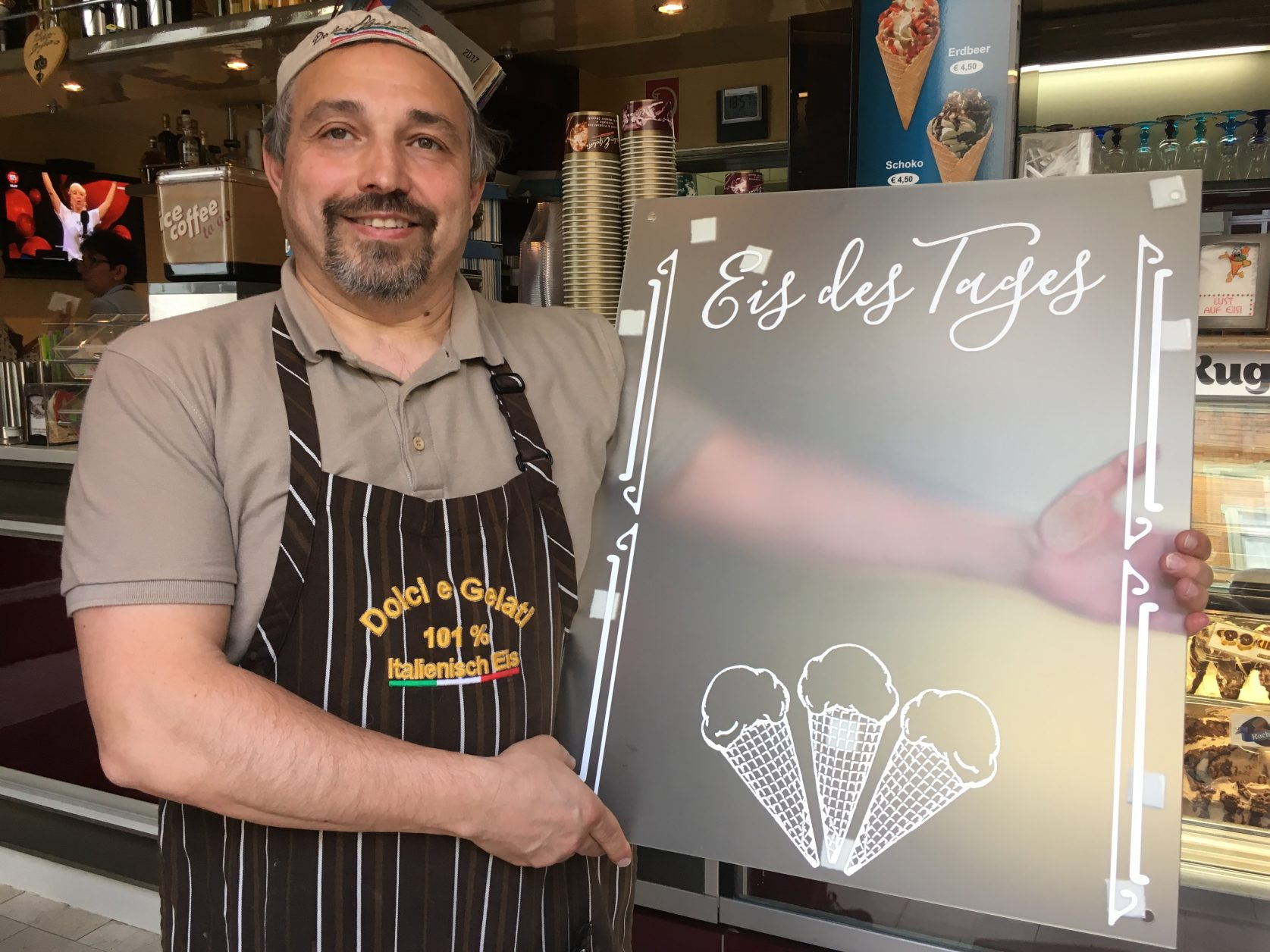 Mario Farruggio kreiert täglich ein neues Eis für seine Gäste, Foto: D.Weirauch