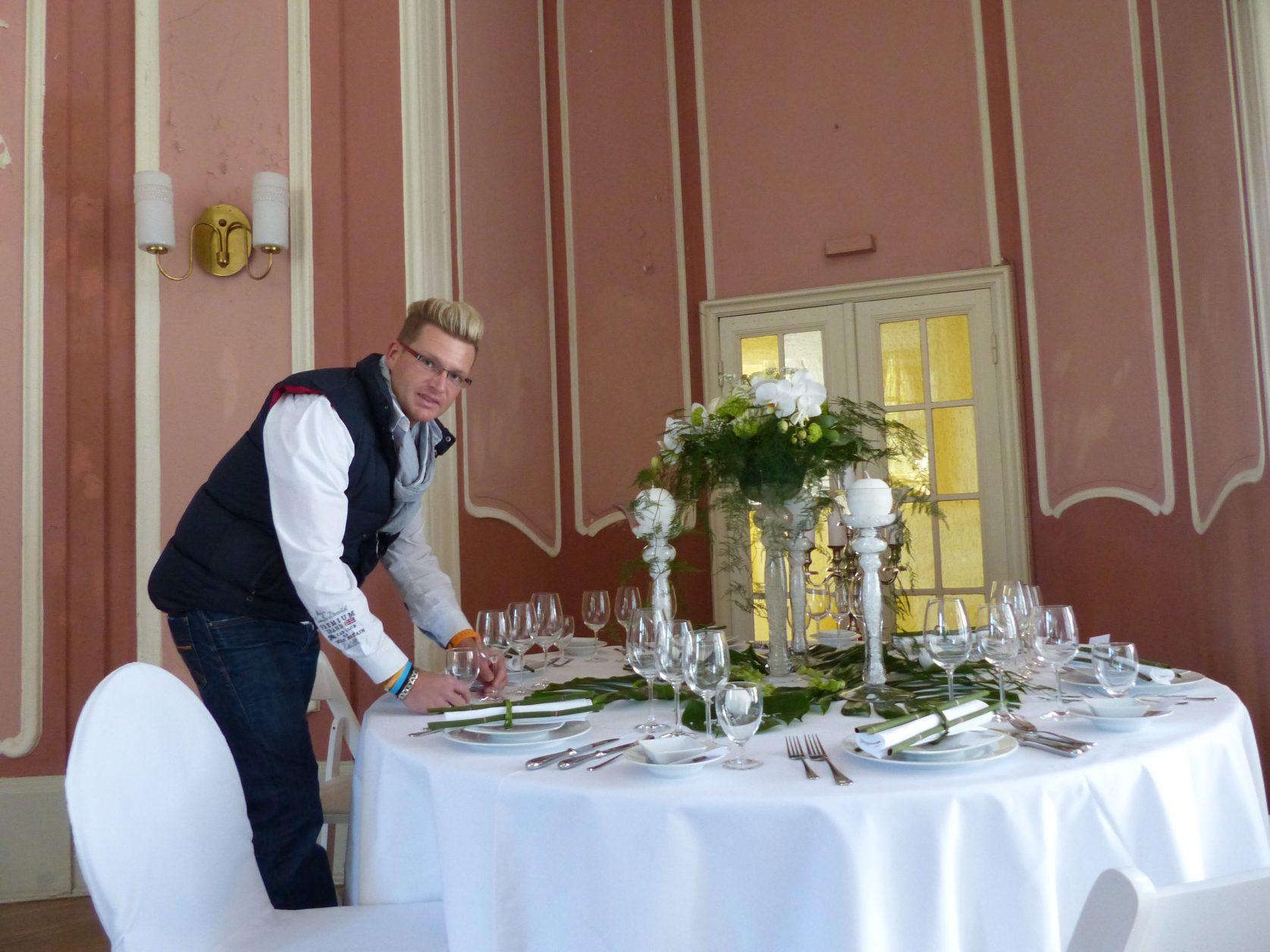 Weddingplaner Christian Schulze in seinem Element im Schloss Marquardt, Foto: D.Weirauch