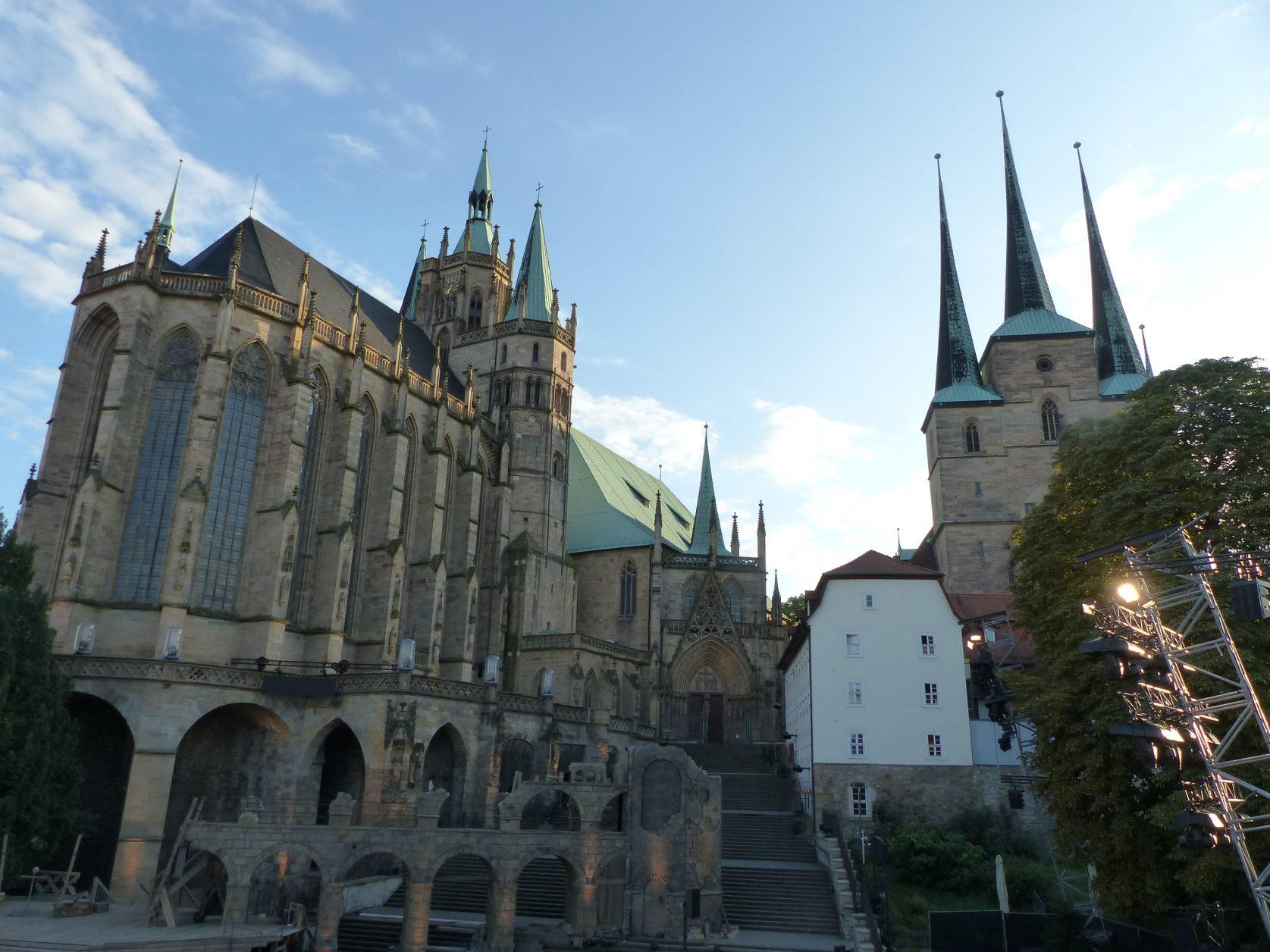 Blick auf den Dom Erfurt mit der Severikirche Foto: Weirauch