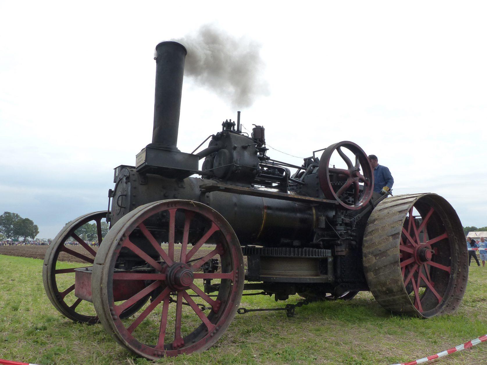 Die beiden Dampflokombile wurden 1928 gebaut und kommen nur noch sehr selten zu Schauveranstaltungen zum Einsatz, Foto: D.Weirauch D.Weirauch
