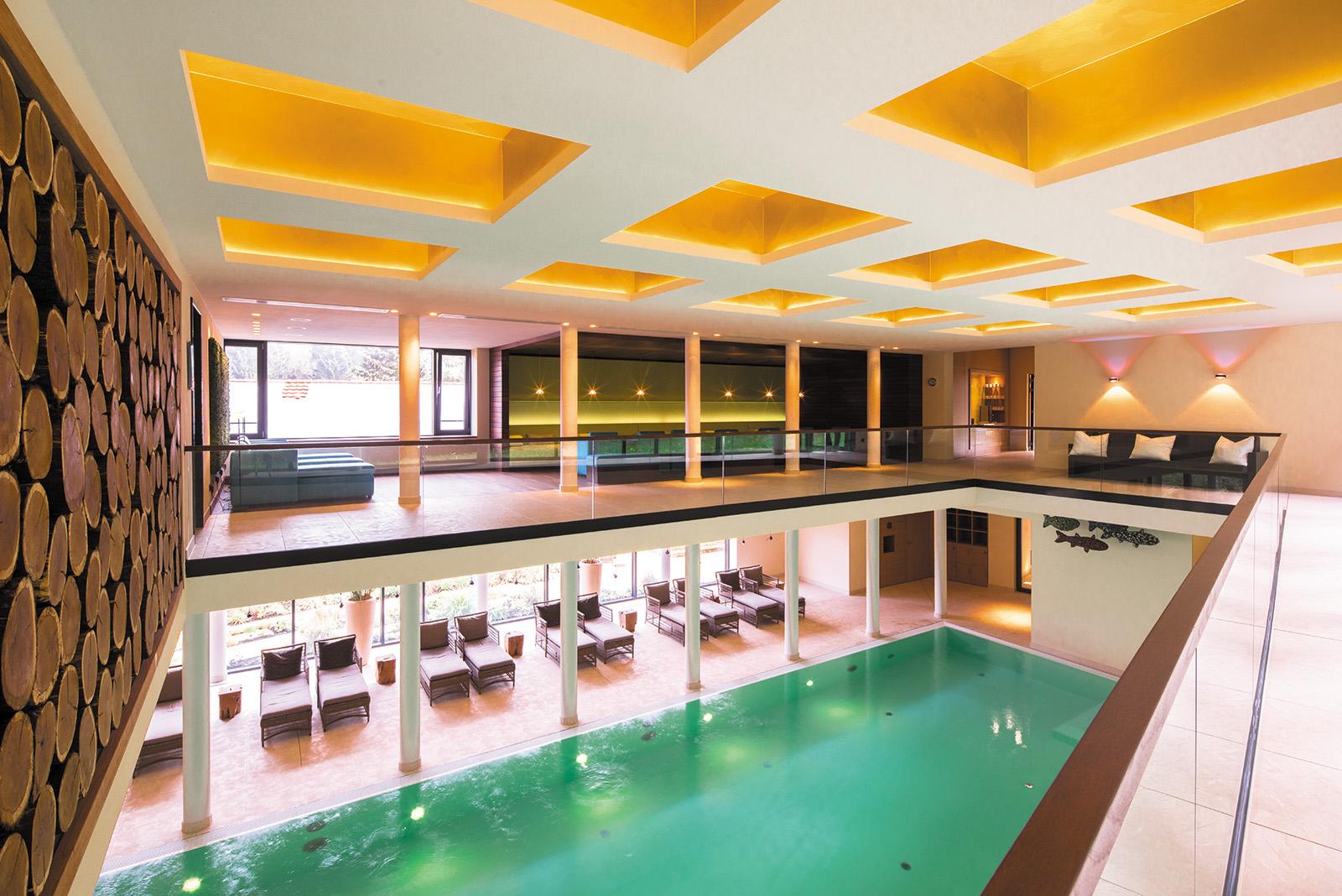 Blick in den Pool im Resort Schindelbruch im Harz, Foto: Schindelbruch