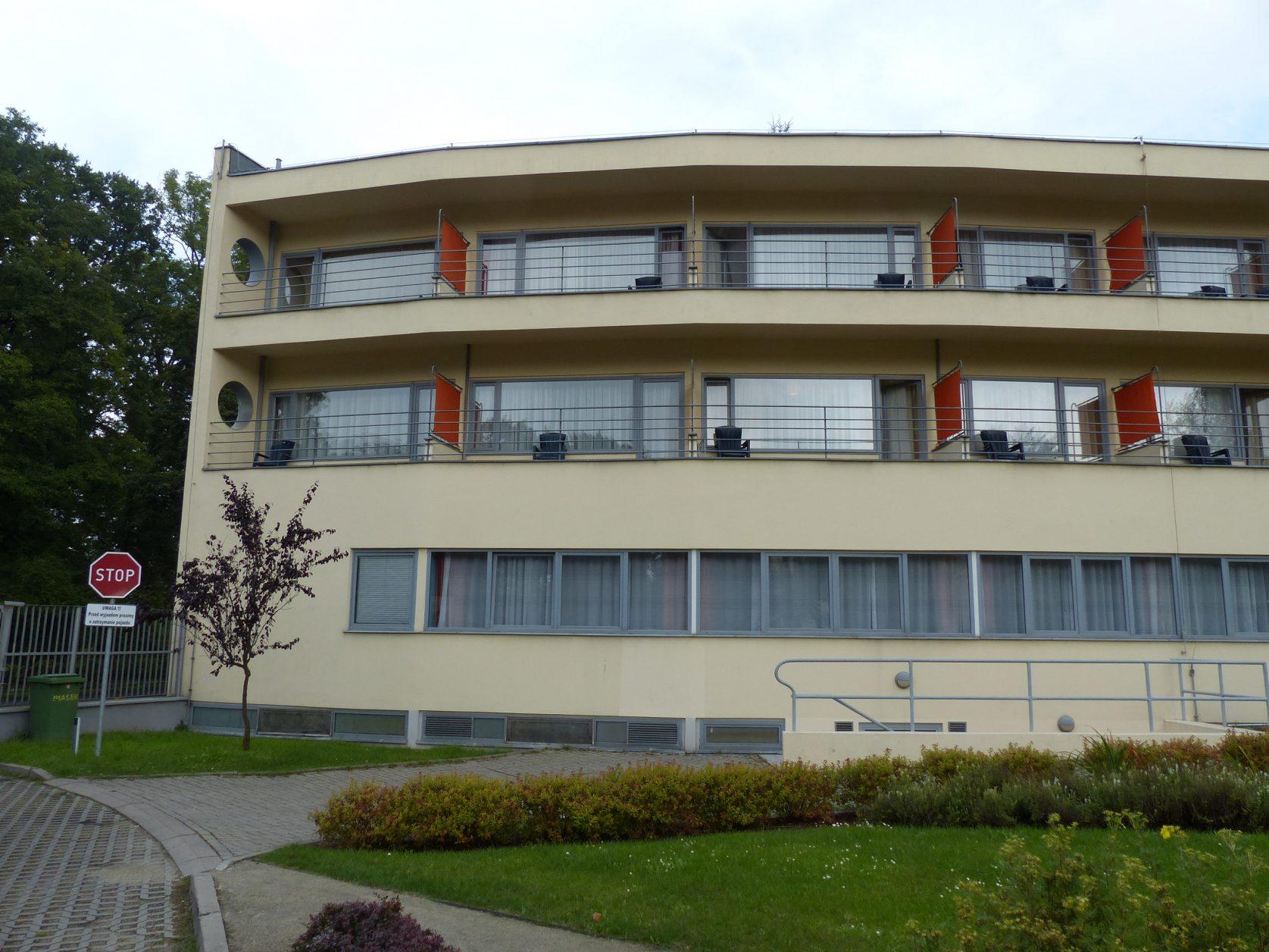 Blick auf das ehemalige Ledigenwohnheim, Architekt Hans Scharoun Foto: Weira