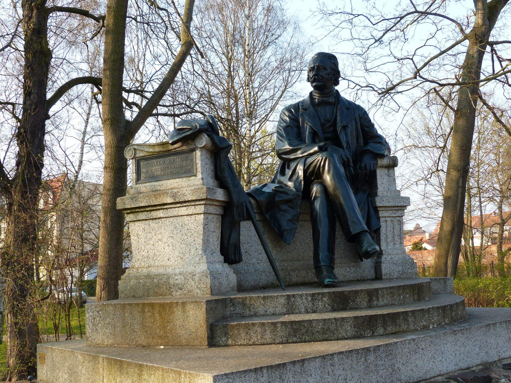 Hier das Denkmal Theodor Fontane in Neuruppin, Foto: D.Weirauch