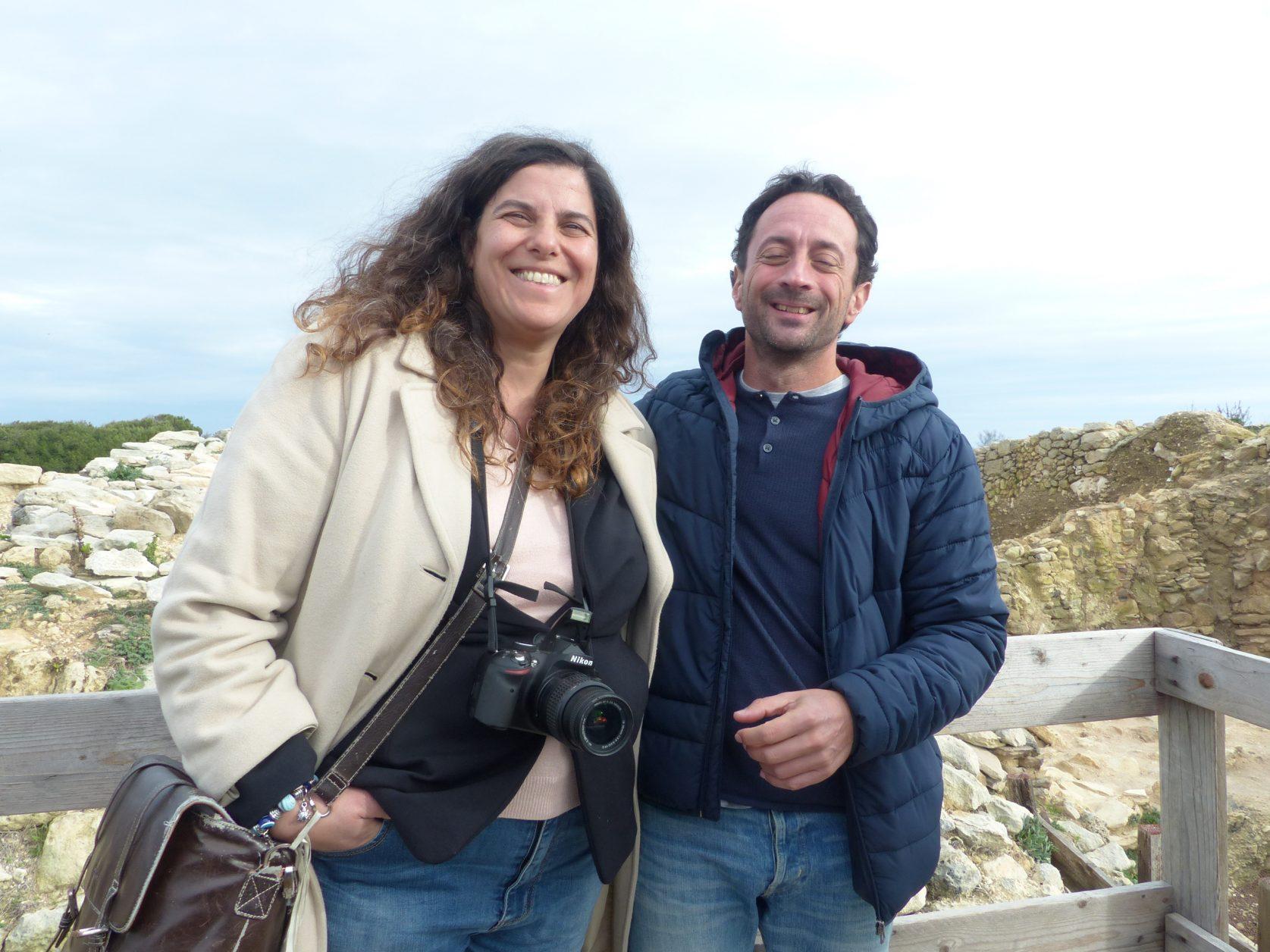 Tourismusmanagerin Carmen Mancarelle und Archäologe Theodoro Scaranao Foto: Weirauch