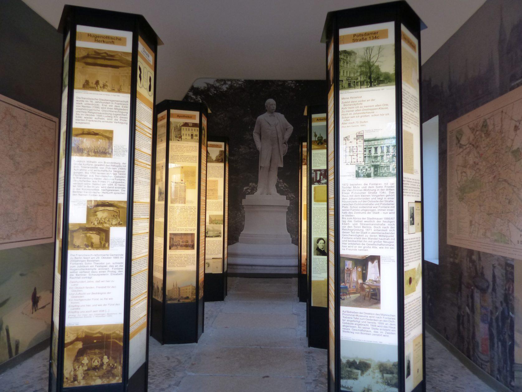Blick in die Ausstellung in der Fontane - Gedenkstätte, Foto: Weirauch