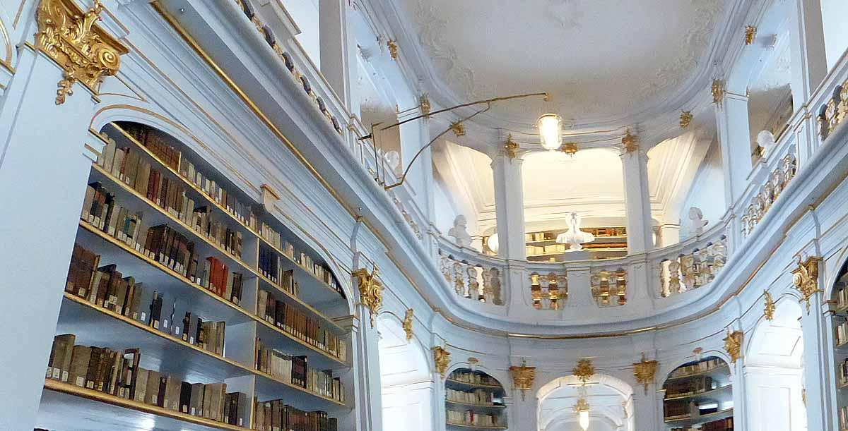 Blick in die berühmte Bibliothek Foto: Weirauch