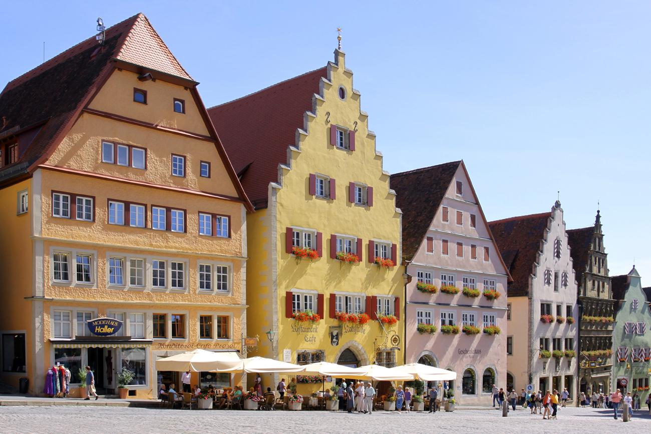 Deutschland, Bayern, Rothenburg ob der Tauber, Marktplatz, Altstadt...