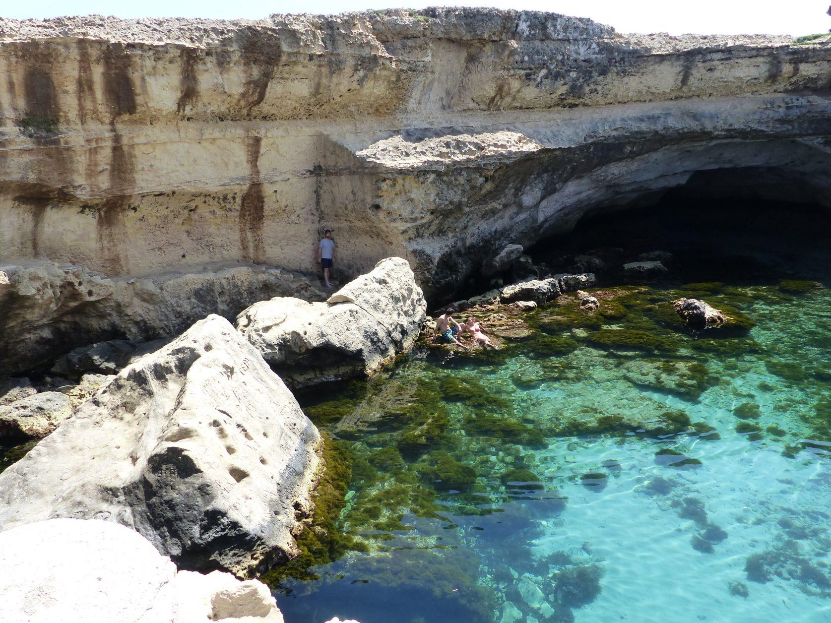 Eine der schönsten Badeplätze der Welt: die Grotta della Poesia Foto: Weirauch