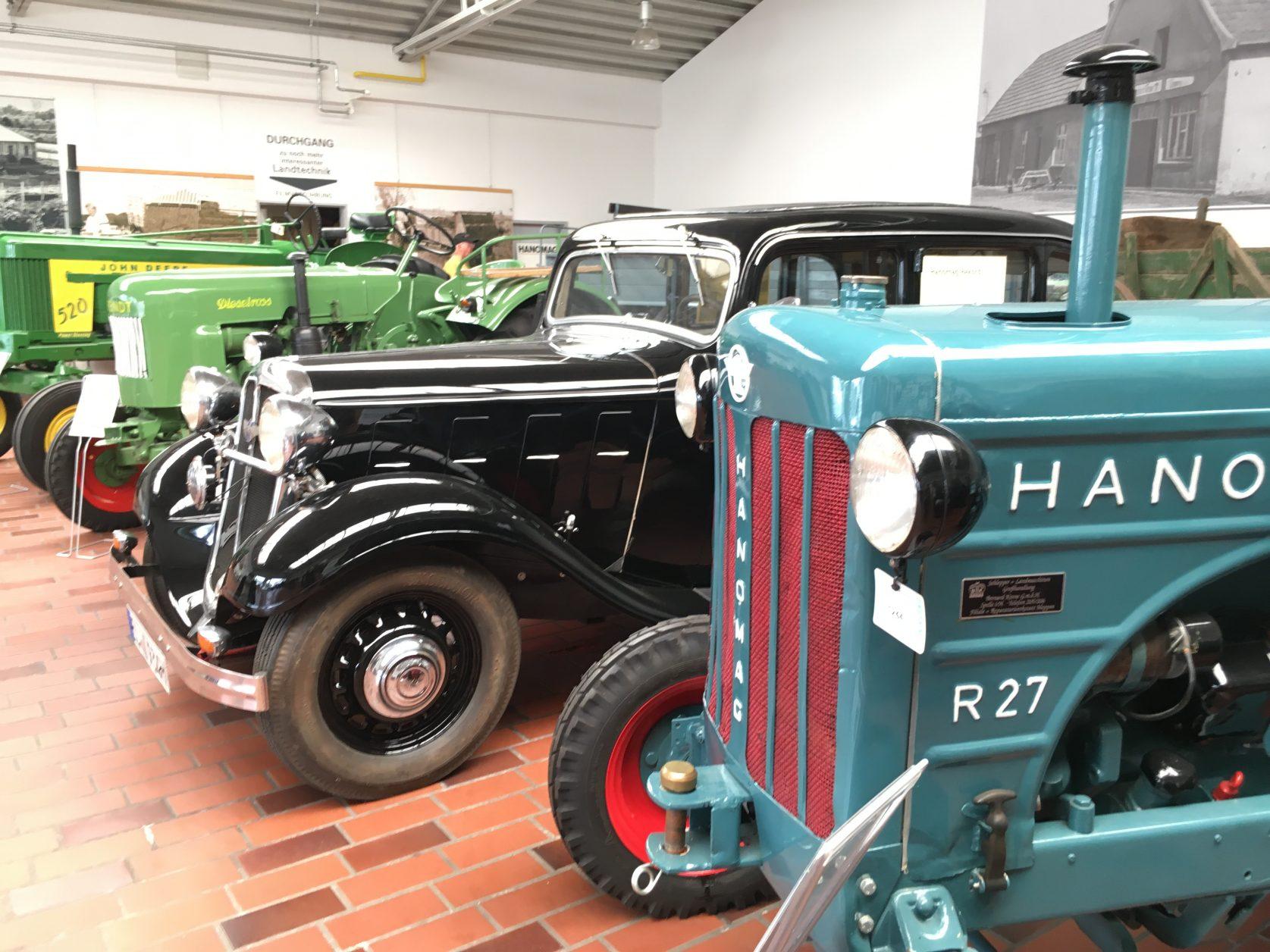 Auch Traktoren sind im KRONE Museum für Landtechnik in Spelle zusehen.