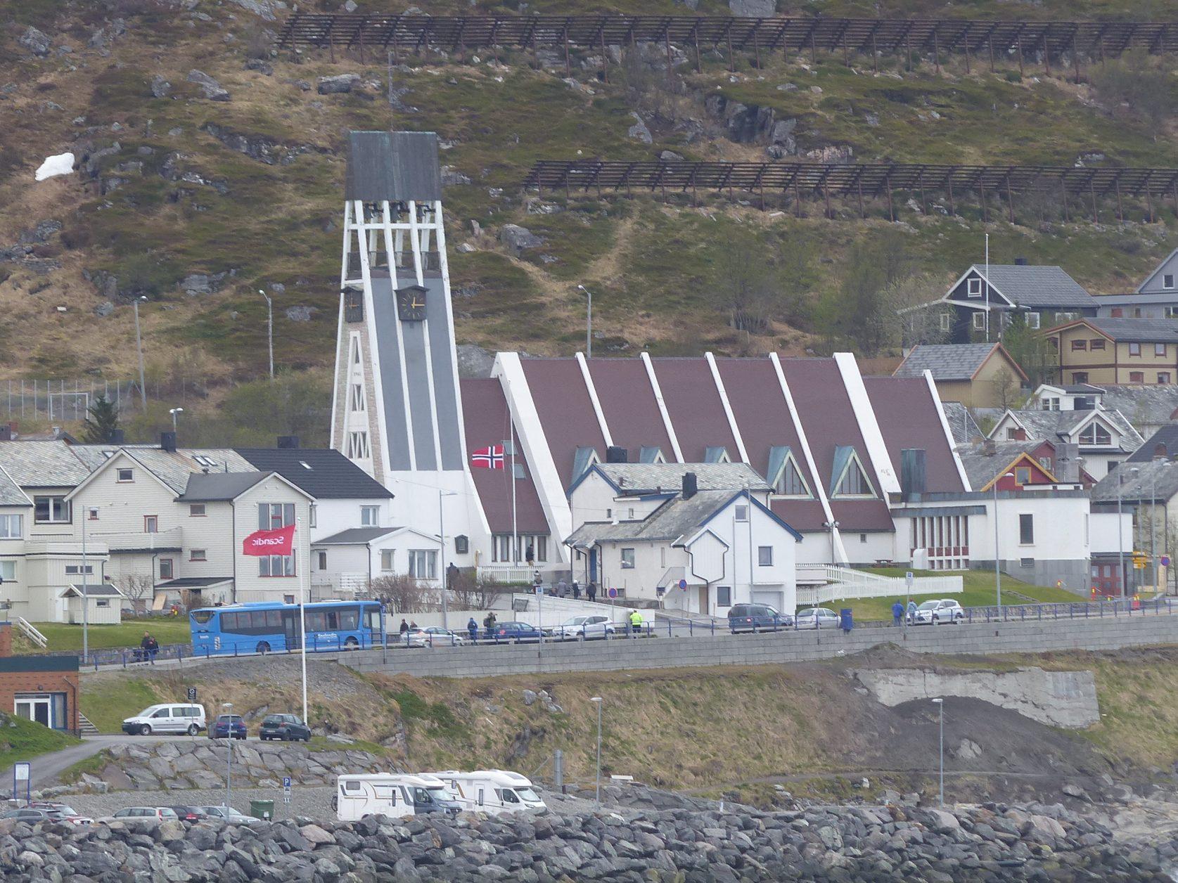 Blick auf die Lutherische Kirche von Hammerfest Foto: K-.Weirauch
