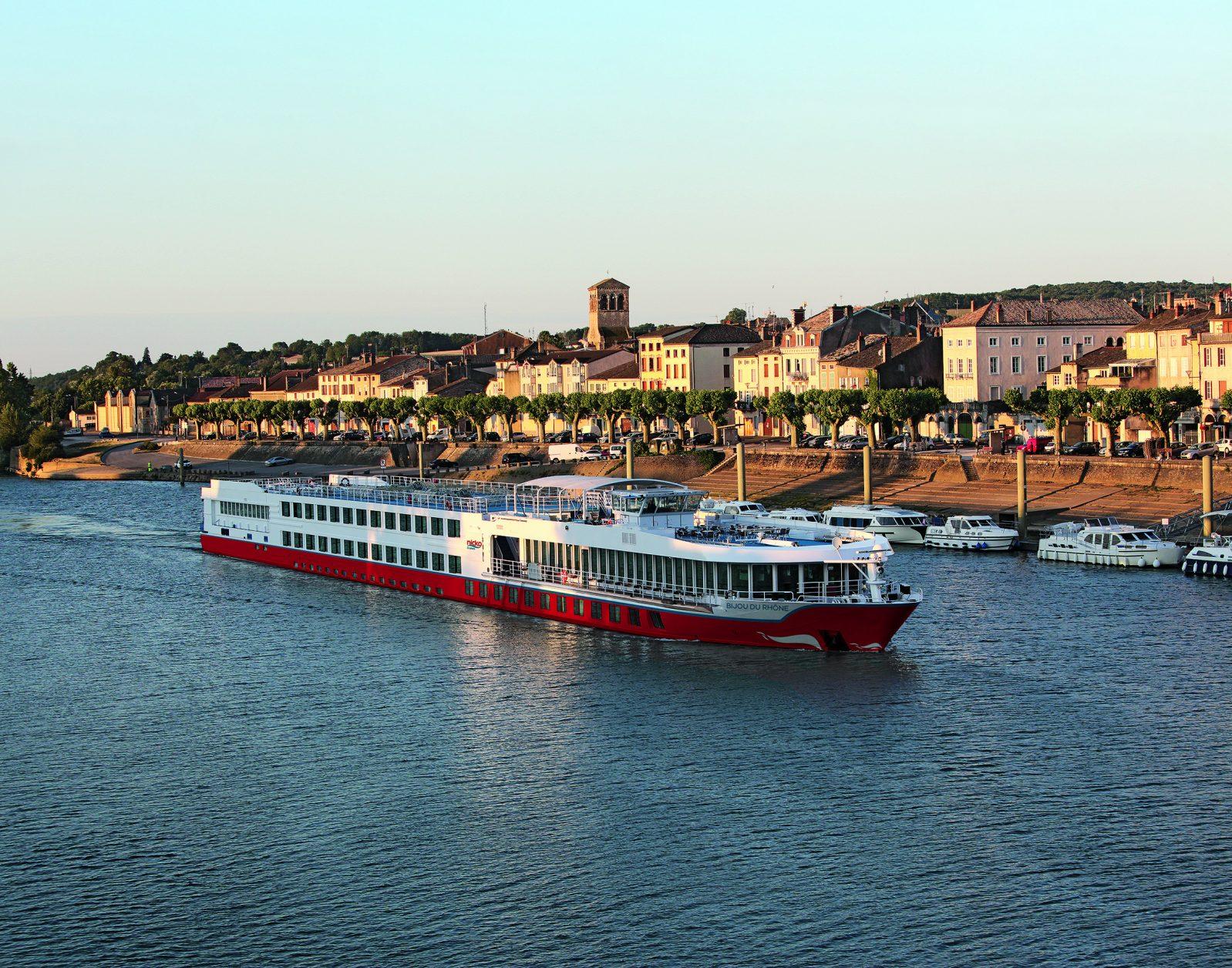 Beste Aussichten auf die herrlichen Landschaften Frankreichs erleben nicko cruises Gäste auf MS BIJOU DU RHÔNE Foto: nicko cruises