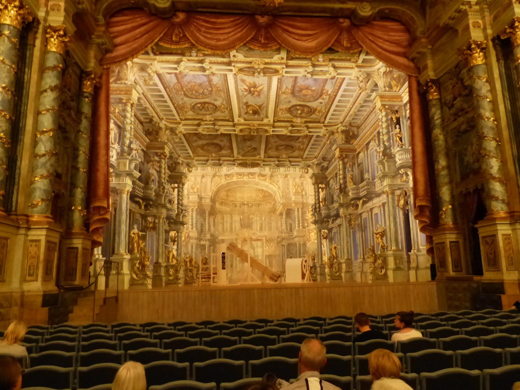 Blick zur Bühne des Markgräfliches Opernhaus Bayreuth mit neu rekonstruiertem Bühnenbild Foto: K.Weirauch