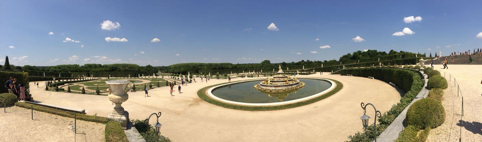 Blick auf den Garten von Versailles Foto: Angelo Aneo