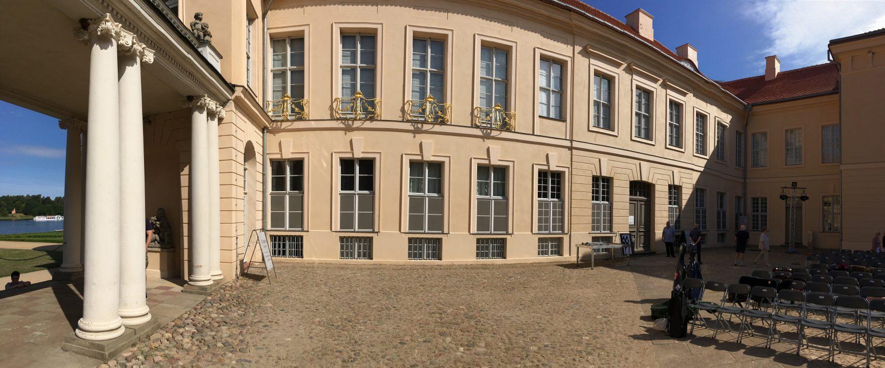 Blick in den Innenhof von Schloss Rheinsberg, Foto: Weirauch