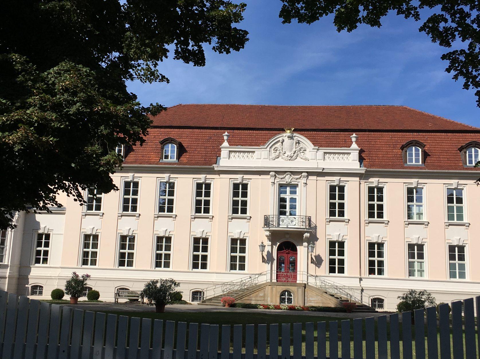 Das Schloss in Wustrau kann nach Absprache besichtigt werden, Foto: Weirauch