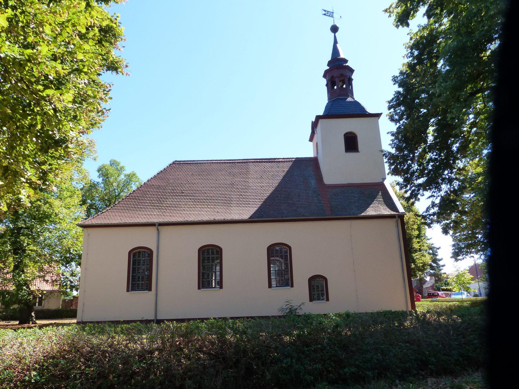 In der Dorfkirche hat Elisabeth geheiratet, Foto: Weirauch