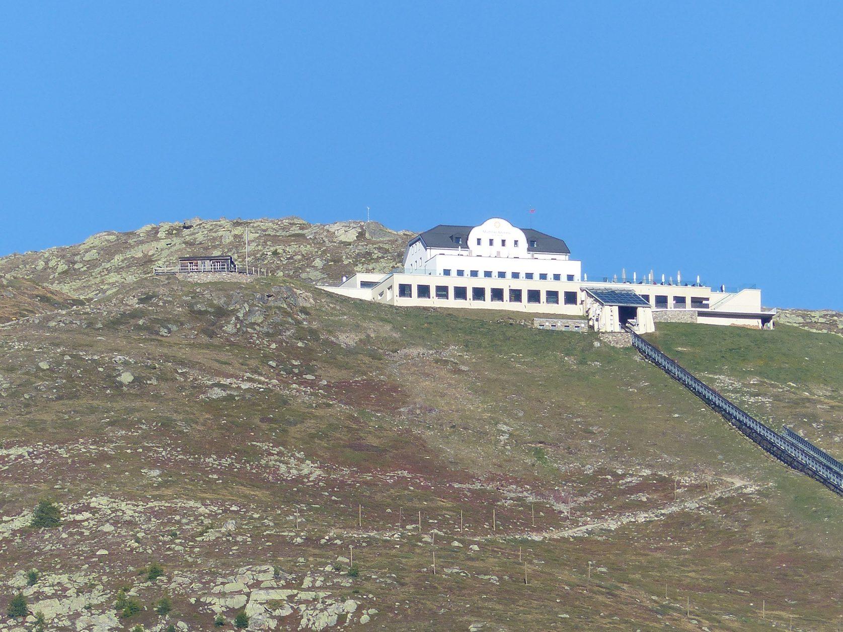 Mit der Bergbahn gut zu erreichen und Ausgangspunkt für Wanderungen: Muottas Muragl, Foto; Weirauch