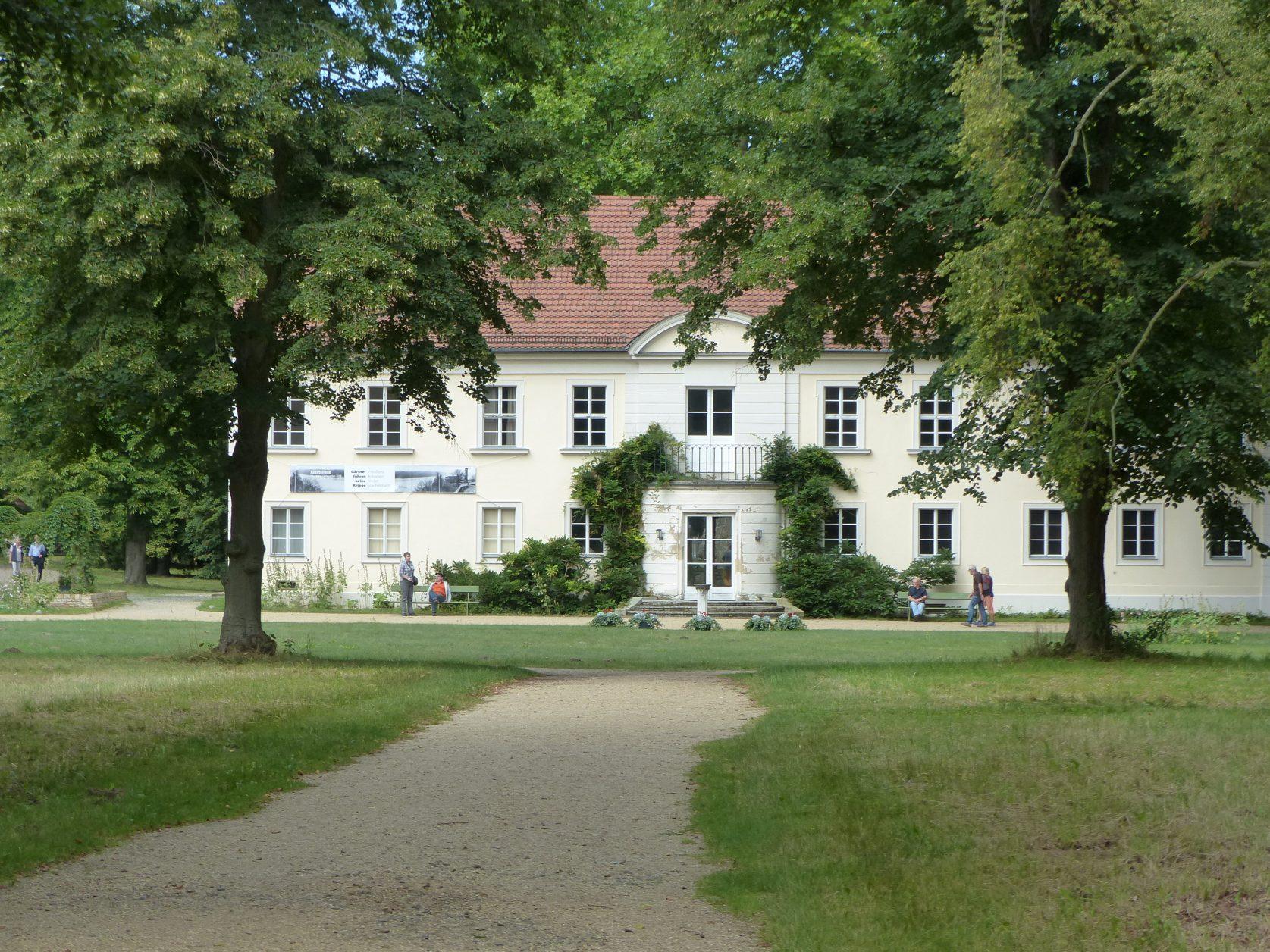 Blick auf Schloss Sacrow